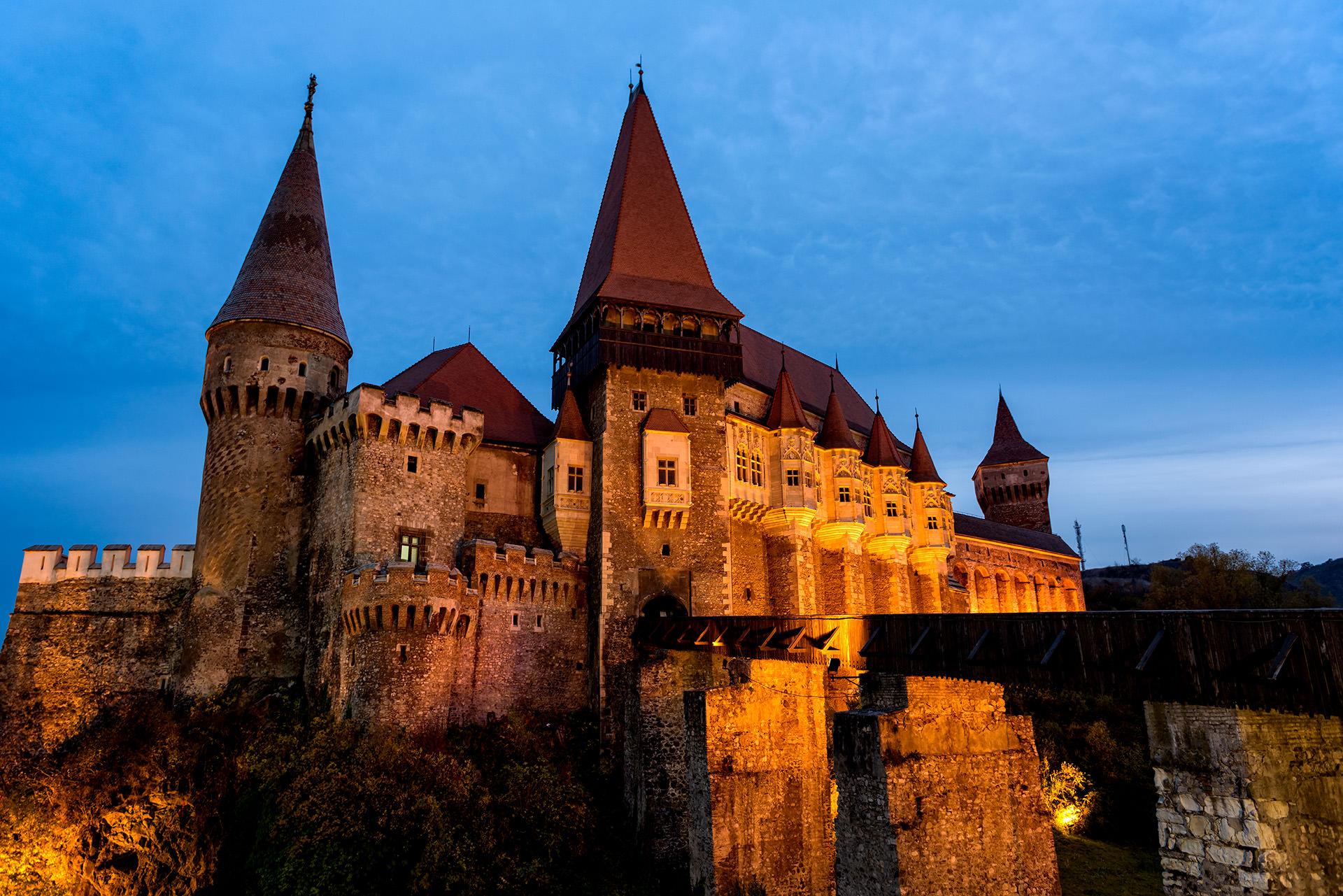 Corvin Castle in Hunedoara Romania 01