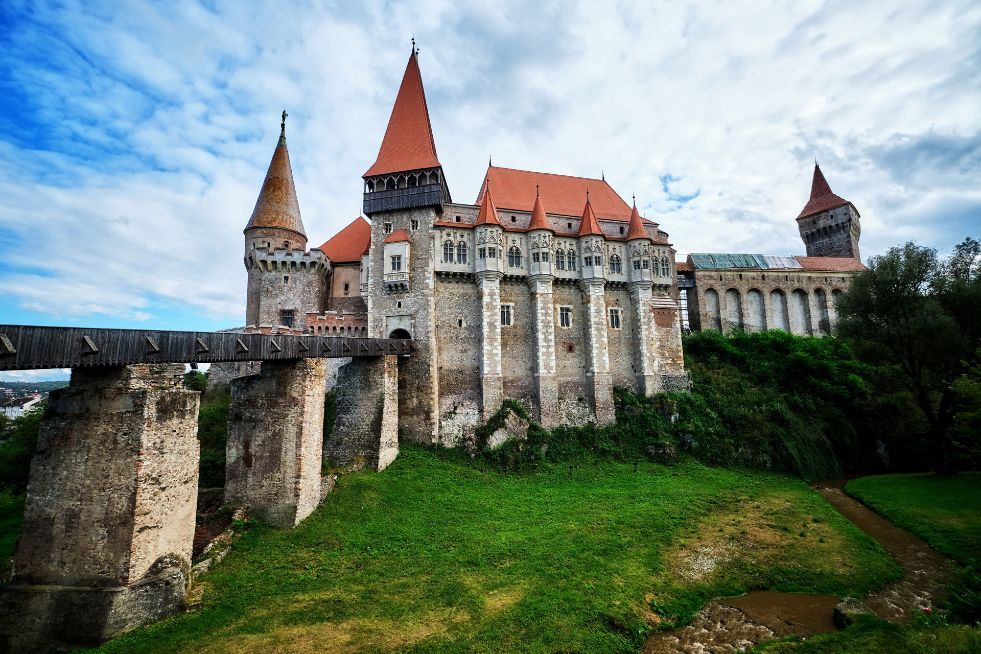 Corvins Castle in Romania 02