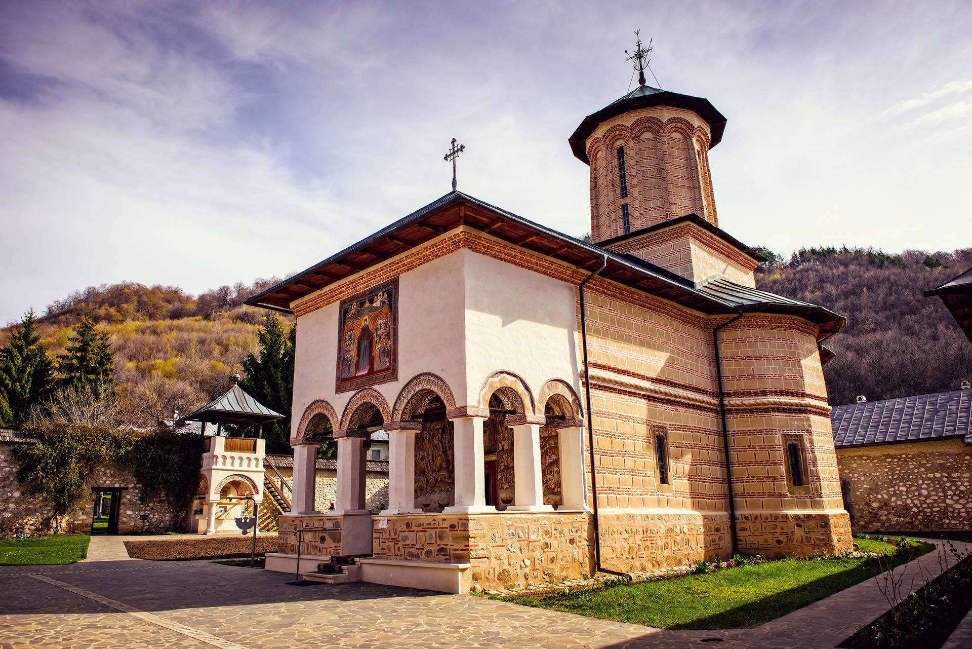 Polovragi Monastery Romania 1