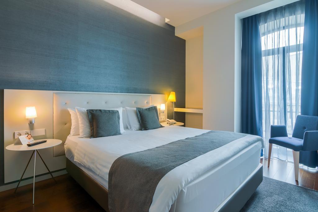 Hotel Cismigiu Bucharest Romania 2